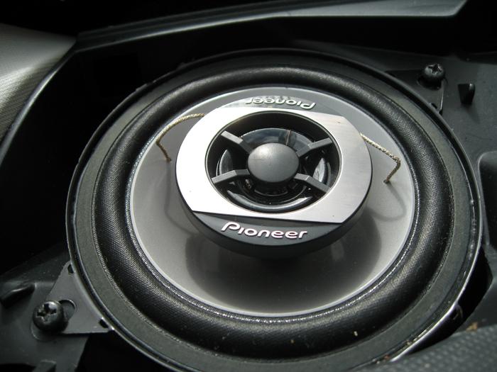 montage-hp-autoradio-hp-en-place