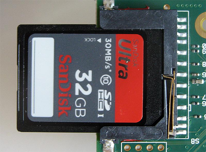 Carte SD en place dans son slot