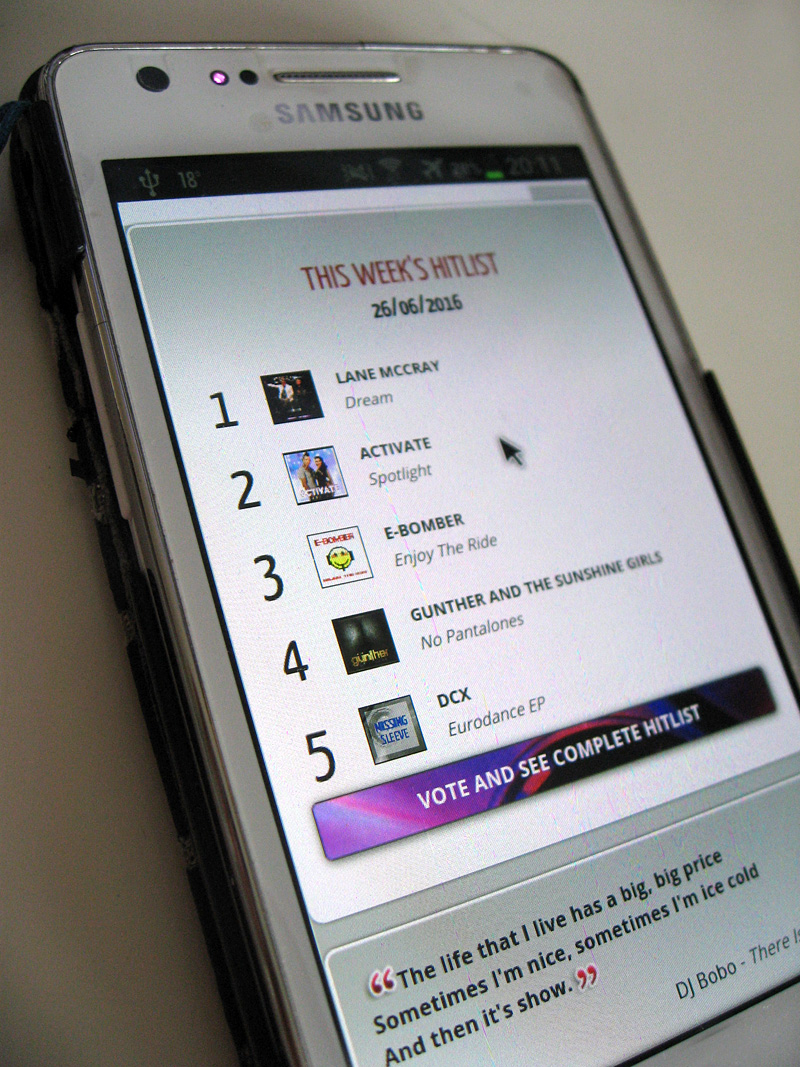 pointeur de la souris sur l'écran du smartphone