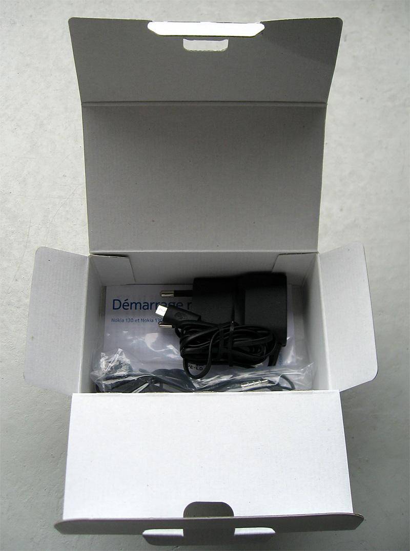 boite Nokia 130 intérieur 2e niveau