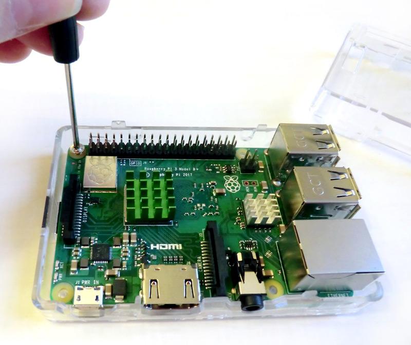 Montage du boîtier du Raspberry Pi