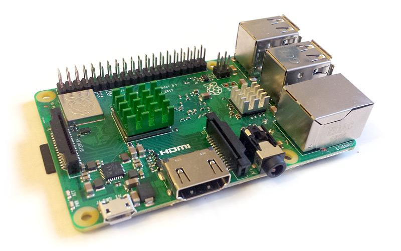 Raspberry Pi avec dissipateurs en place