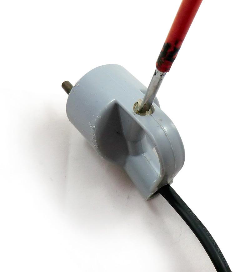 Vissage pour bloquer le câble