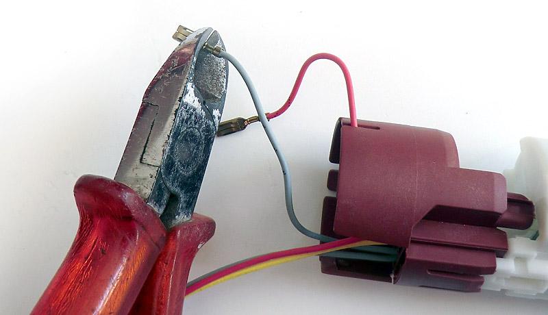 Coupe des câbles